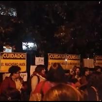 [VIDEO] Mujeres alzan la voz por la justicia y acompañan a Nabila cada tarde en su recuperación