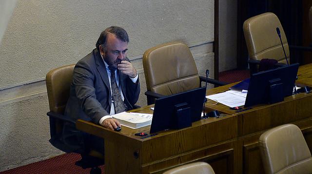 PPD quiere lejos a Pepe Auth: pedirá a diputados revaluar su permanencia en la bancada