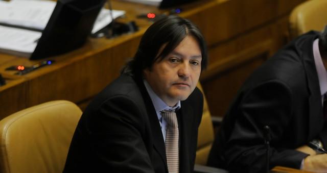 Diputado Tucapel Jiménez pidió dar urgencia a proyecto que sanciona con cárcel negación de crímenes cometidos en dictadura