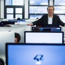 Millonario francés abre escuela gratuita en Silicon Valley
