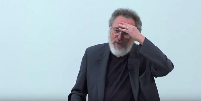 """Michael W. Apple y su dura crítica al sistema de educación de libre elección: """"Creo que Chile es un experimento (educacional) fallido"""""""