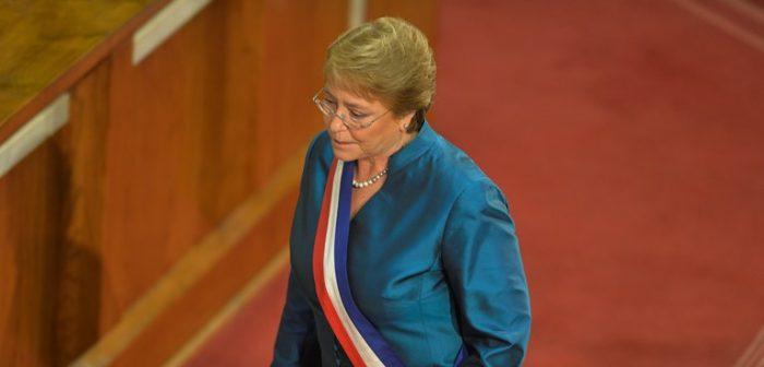 Peña barre con discurso de Bachelet y dice que describió al país de forma