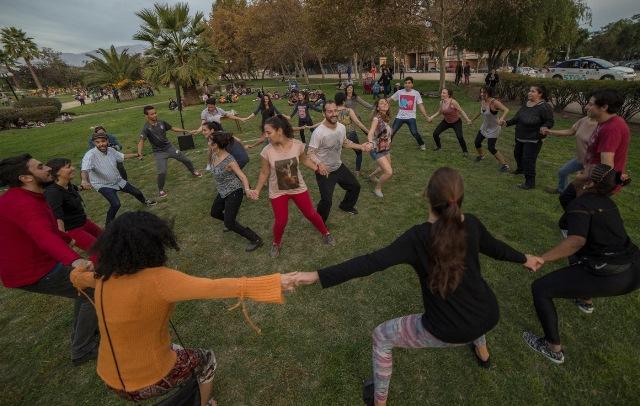 """""""La unión"""", el proyecto de baile social que pretende despertar la conciencia colectiva de los santiaguinos"""