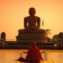 Asesinan a anciano monje budista en nuevo ataque a machetazos en Bangladesh