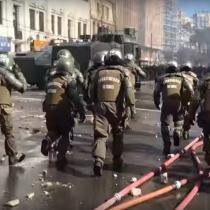 [VIDEO] Arremetida de Carabineros tras manifestaciones del 21 de mayo en Valparaíso