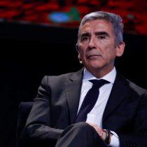 Carlos Peña toma distancia de gratuidad y amenaza con bajarse si en 2017 va en glosa