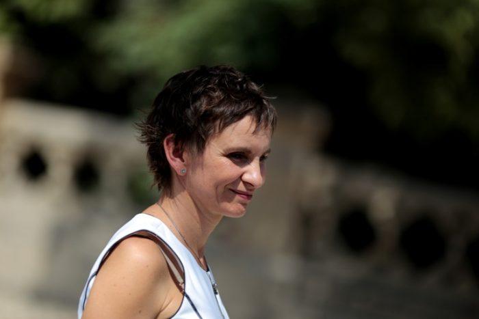 Más de 60 personalidades políticas y sociales brindan apoyo a Carolina Tohá