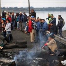 Conflicto en Chiloé: Obispo de Ancud pide dejar pasar a camiones con víveres