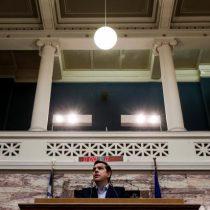 Parlamento griego aprueba las reformas de pensiones y fiscal para cumplir con acreedores