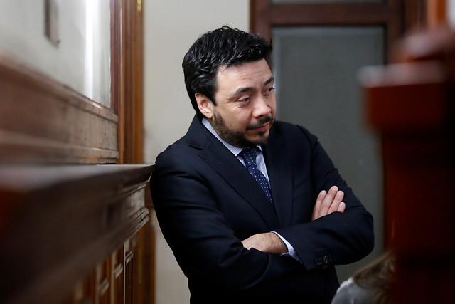 Arias declara ante el mismo fiscal al cual acusó de