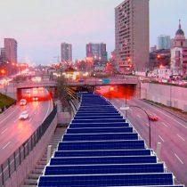 Centro de la Universidad de Chile propone sistema para generar energía solar en el Metro