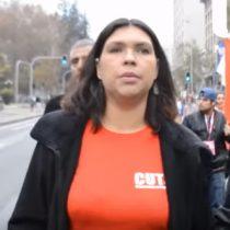 [VIDEO] Trabajadores lanzan monedas a Bárbara Figueroa durante marcha del 1 de mayo