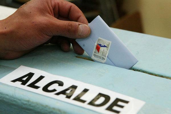 Servel pide a La Moneda que redacte ley para aplazar primarias municipales
