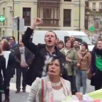 [VIDEO] Padre de Leopoldo López es abucheado en España