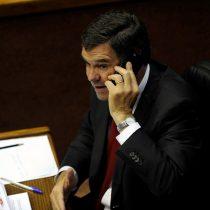 Gobierno invita a senador Ossandón para participar en spot sobre proceso constituyente