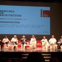 Revista de arquitectura critica a Alejandro Aravena por