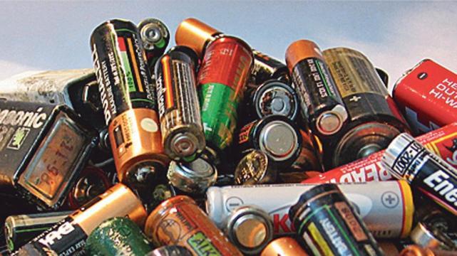 Bolivia producirá 400 mil baterías de litio junto a alemanes