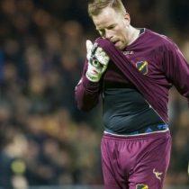[VIDEO] El emotivo homenaje que hace la hinchada rival a madre del portero del NAC Breda