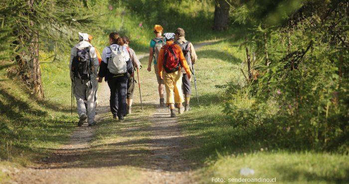 Seis rutas imperdibles para practicar trekking cordillerano en Santiago