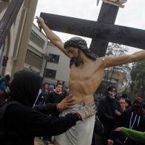 El Cristo roto: una metáfora del Chile actual