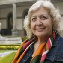 Mónica González califica de error querella de Bachelet contra Qué Pasa: