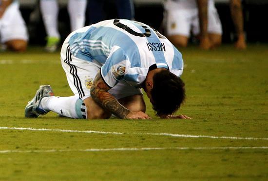 La renuncia de Messi eclipsa la victoria de Chile en la prensa española