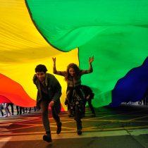 Más de cien mil personas marchan en Chile en la XVI edición del Día del Orgullo Gay