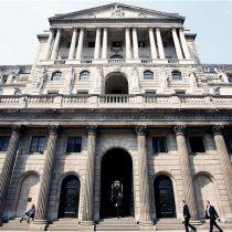 Banco de Inglaterra mantiene tasa y alerta que el