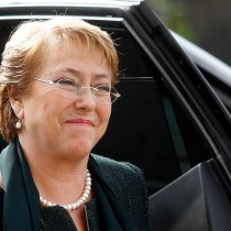 Bachelet se abre a bajar la querella si se reconoce el error de publicar información falsa sobre ella: