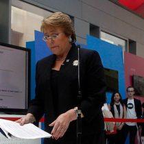 Bachelet defiende su decisión de querellarse contra revista Qué Pasa: