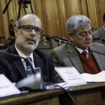 Rodrigo Valdés sube la alerta al admitir mayor estrechez fiscal y advertir problemas