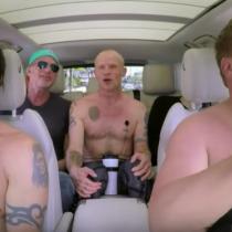 [VIDEO] Revisa acá el Carpool Karaoke de James Corden con los Red Hot Chili Peppers