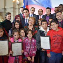 En el marco del Día Mundial del Refugiado se otorgó la nacionalidad chilena a 45 niños palestinos