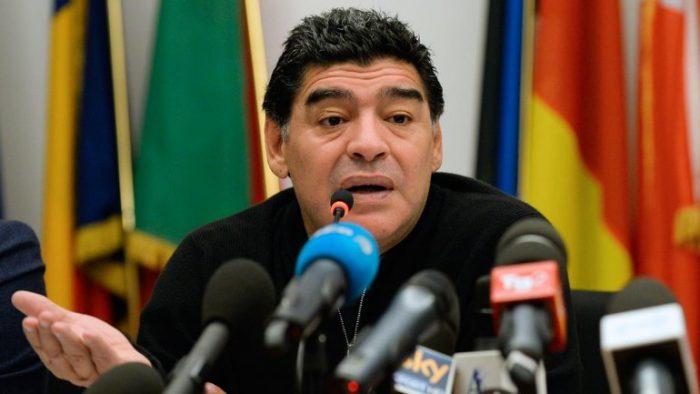 Maradona trata de levantar a los argentinos: