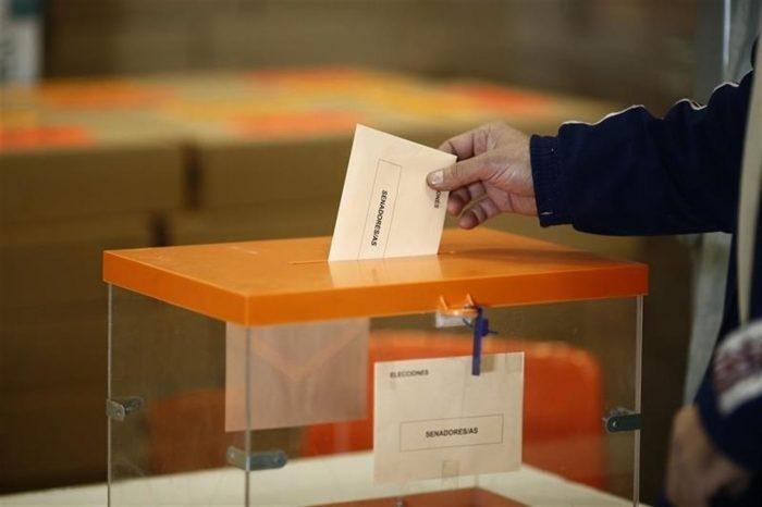 Juventud RN valora rebaja a 16 años edad para votar pero exige inclusión de programa de formación cívica
