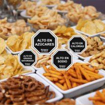 Nuevo etiquetado de alimentos: 64% de santiaguinos considera disminuir consumo de alimentos altos en nutrientes críticos