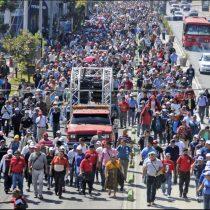 Se intensifican las protestas en México: cientos de profesores y padres bloquean carretera que conecta con Guatemala