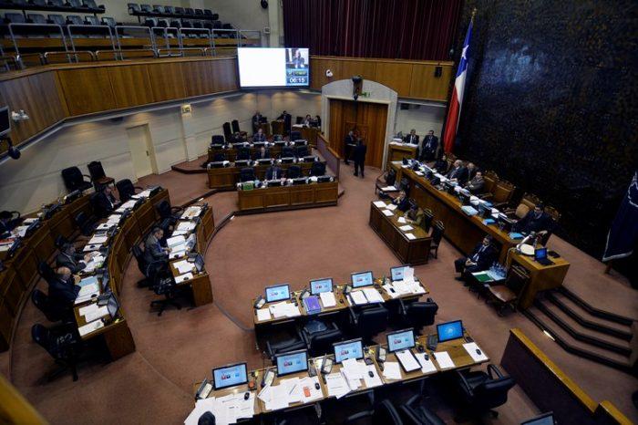 Senado suma y sigue: Chilecompras pide explicación por compras sin licitación para insumos del canal de TV de la Cámara Alta
