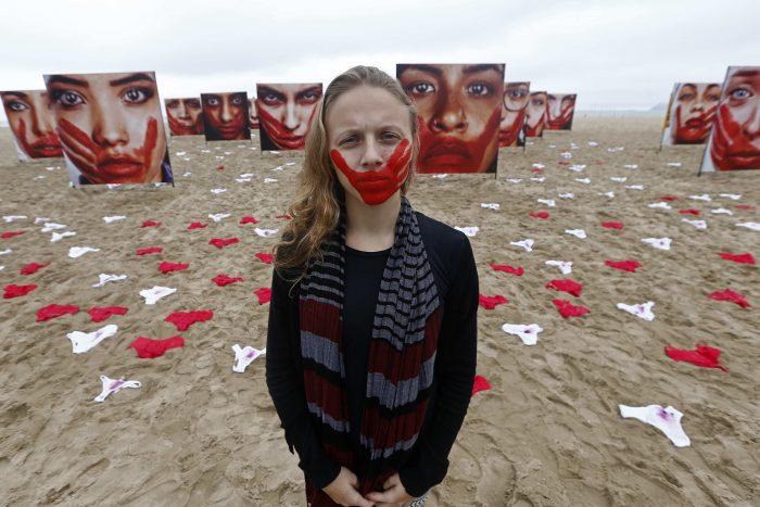 8M: la deuda de Carabineros de Chile con las mujeres y niñas