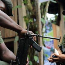 [VIDEO] Así viven guerrilleros de las FARC en un campamento rebelde en Colombia