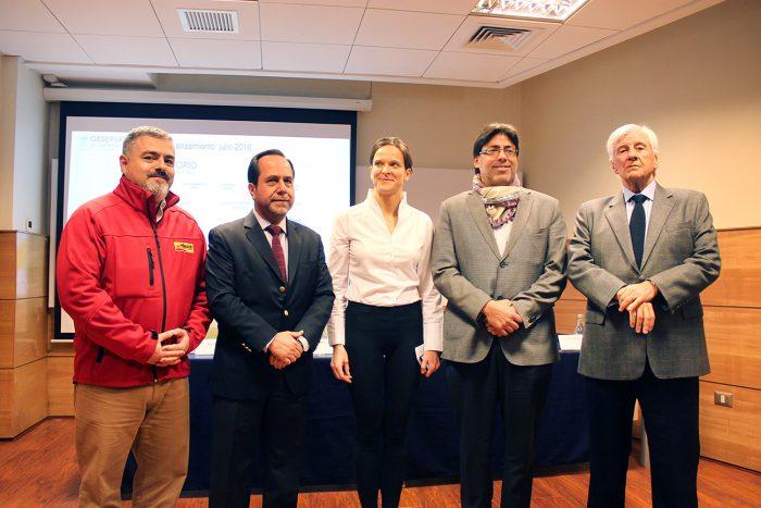 Recoleta, Vitacura y Peñalolén firman convenio con el Observatorio del Gasto Fiscal