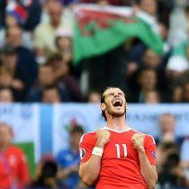 Eurocopa: Bale y Robson Kanu firman el histórico triunfo de Gales