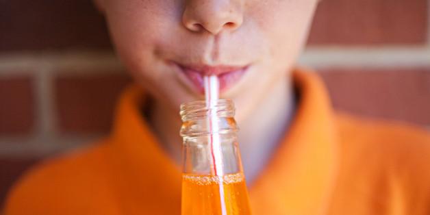 Bebidas gaseosas salen de las escuelas de Brasil para combatir la obesidad