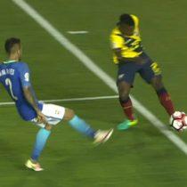 [VIDEO] ¿Bien anulado o cobro mal hecho? El gol que no fue validado en el partido entre Brasil y Ecuador