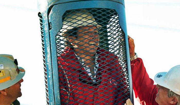 Piñera se desmarca de Golborne y lo deja caer:
