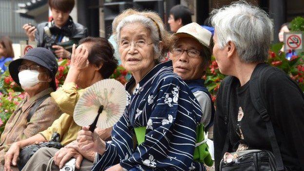 Adultos mayores, los poseedores del dinero y el poder en Japón