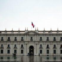 Adimark: el frente de mal tiempo también azota a La Moneda