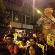 Perú: multitudinaria marcha en rechazo a candidatura de Keiko Fujimori