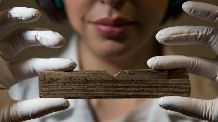 Arqueólogos encontraron un pagaré de casi dos mil años de antigüedad bajo las oficinas de Bloomberg en Londres