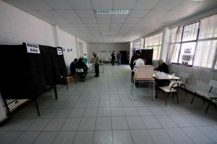 Escasos votantes marcan las primarias municipales